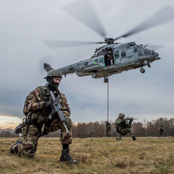 L'Eurocopter EC 725 Mk-2 Caracal, la monture des forces spéciales françaises.