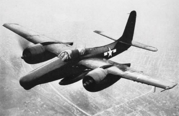 Grumman F7F-3 en vol.
