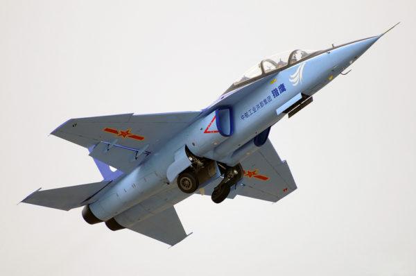 Le Guizhou JL-9, un des avions d'entraînement chinois parmi les plus récents.