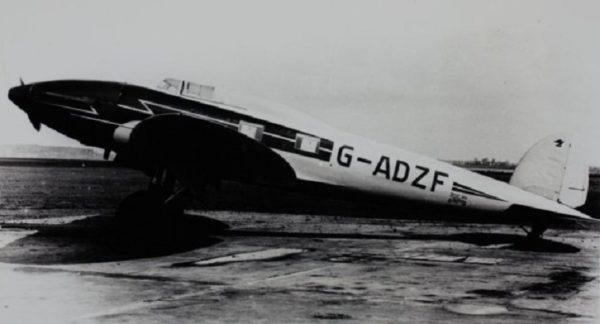 On remarquera sur cette photo que le moteur Kestrel n'enlevait rien à la légendaire élégance du He-70.