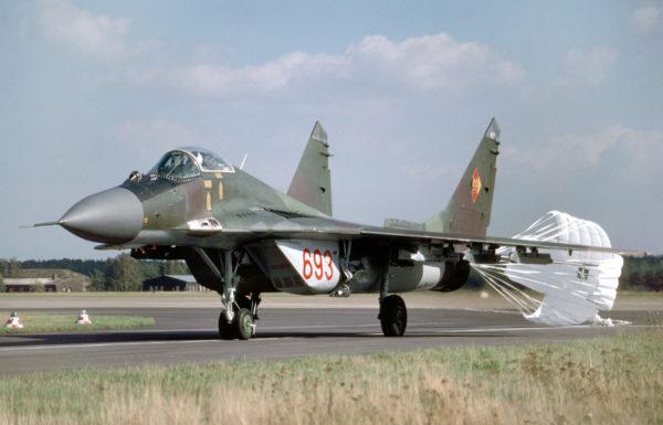 Le seul véritable chasseur moderne est-allemand en 1990, le MiG-29 Fulcrum.