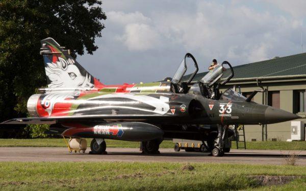 Comme on peut le voir sur ce Mirage 2000D de l'EC 3/3 Ardennes les traditions sont encore vives de nos jours.