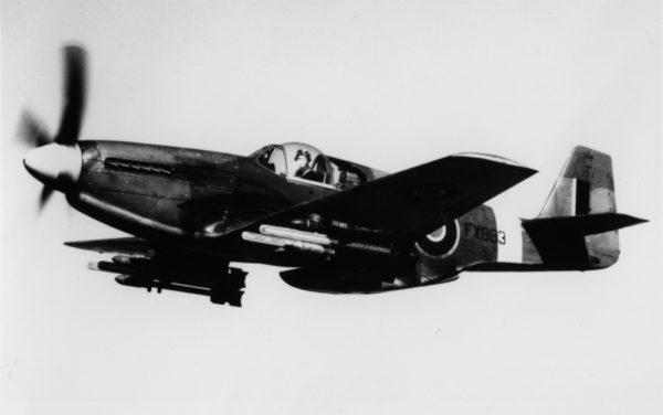 North American Mustang aux couleurs de la Royal Air Force.
