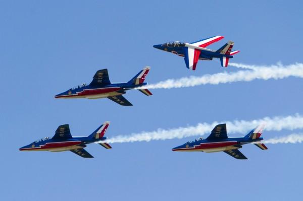 Officiellement appelé PAF, elle est mondialement connue sous le nom de Patrouille de France. Ici quatre de ses Alpha Jet E.