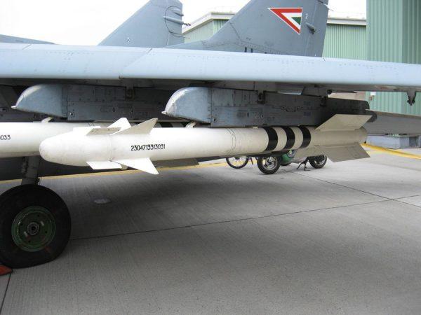 un missile Vympel R-73