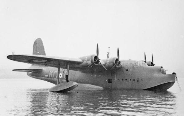 Short Sunderland du Coastal Command au mouillage.