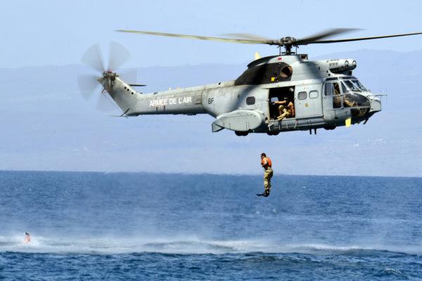 SA-330Ba de l'Armée de l'Air en mission de SAR maritime au large de la Corse.