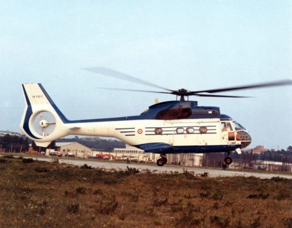 Un Puma avec un rotor type Fenestron similaire à celui d'un Dauphin, ça s'appelle un SA-330Z.
