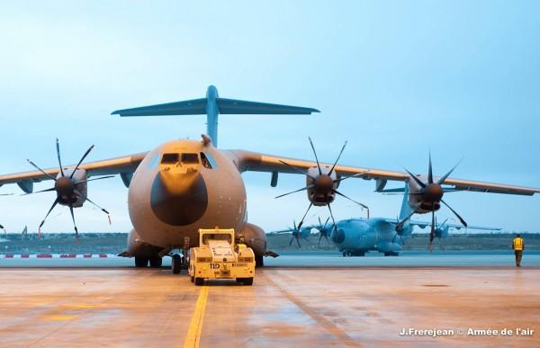 Le deuxième Atlas de série fait son entrée dans son hangar d'Orléans.