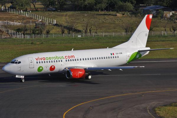 Boeing 737 de la compagnie VivAerobus, promis au remplacement par les futurs A320 Néo.