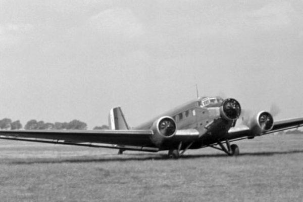 L'AAC-1 Toucan, increvable serviteur du transport militaire français.