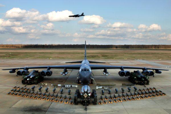 On pourrait croire ce cliché d'un B-52H tout droit sorti de la guerre froide, mais il n'en est rien, il date de 2006.