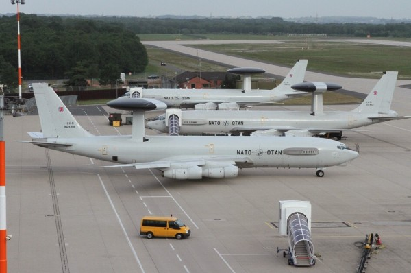 Boeing E-3 Sentry sur le tarmac allemand de Geilenkirchen.