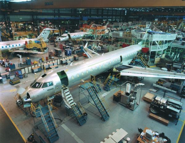 Chaîne d'assemblage des Bombardier CRJ-700.