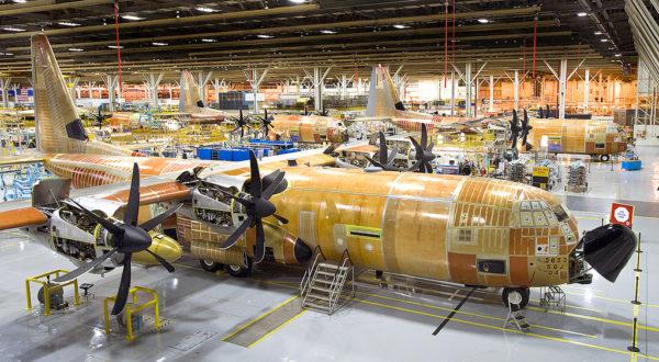 Lockheed-Martin C-130J Super Hercules sur leur chaîne d'assemblage.