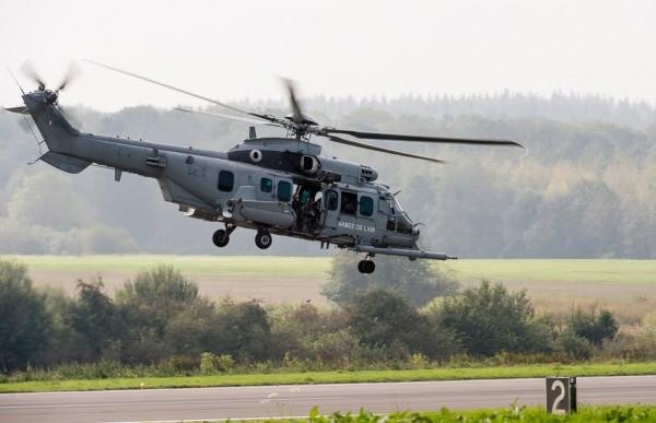 Caracal de l'Armée de l'Air en opération à Florennes.