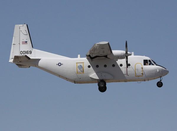 Casa C-41A en opérations. Remarquez sa livrée pour le moins discrète.