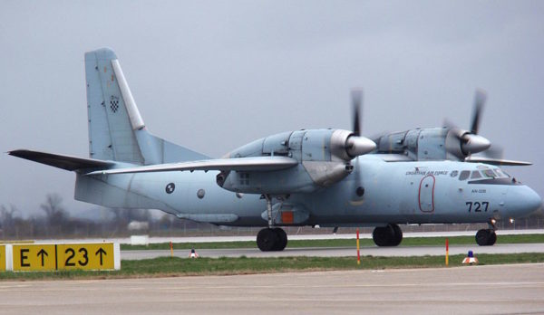 Antonov An-32 de transport tactique.