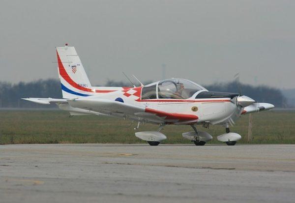Zlin 242L d'entraînement primaire.