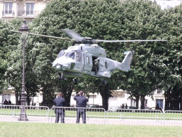 NH-90 Caïman de l'Aéronautique Navale en approche finale en 2012.