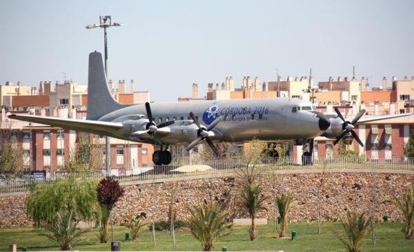 Le Douglas DC-7 de Cordoue encore à sa place.