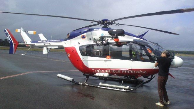 Dragon 973 l 39 h licopt re de la discorde - Helicoptere jaune et rouge ...