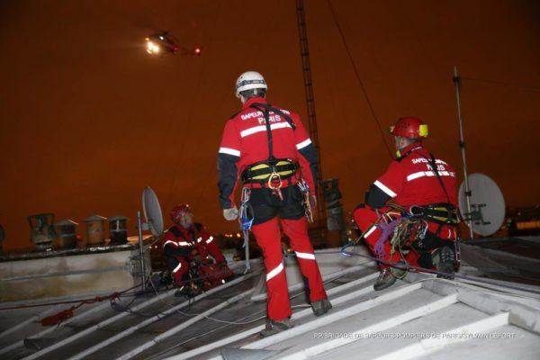 Les pompiers du GRIMP sécurisent l'approche finale du Dragon75.