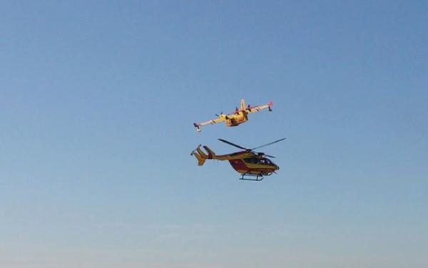 Un Dragon volant de conserve avec un CL-415.