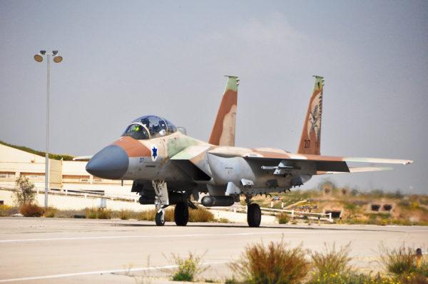 Le biréacteur F-15I, un redoutable chasseur-bombardier.