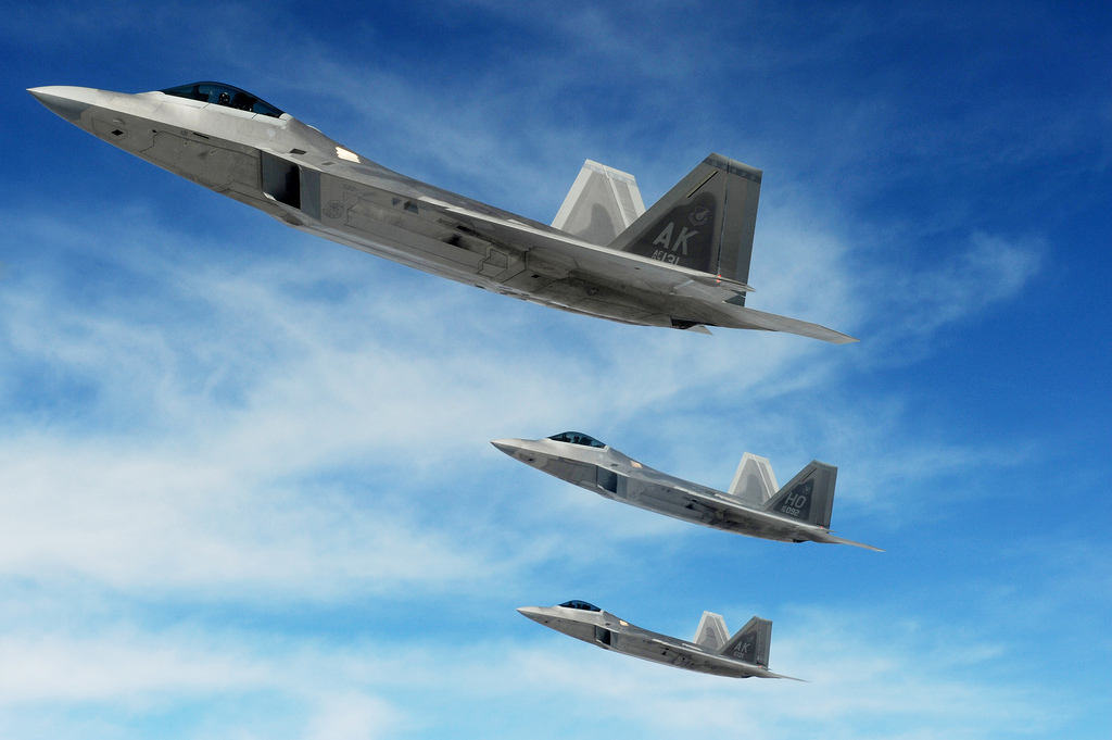 L'US Air Force redéploie des F 22 Raptor en Europe Defens'Aero
