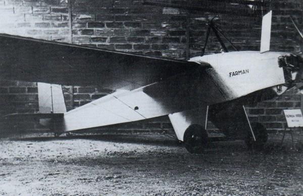 Avec son moteur de 40 chevaux et sa masse maxi de 400kg le Farman F-455 fait office d'ULM de l'Aviation Populaire.