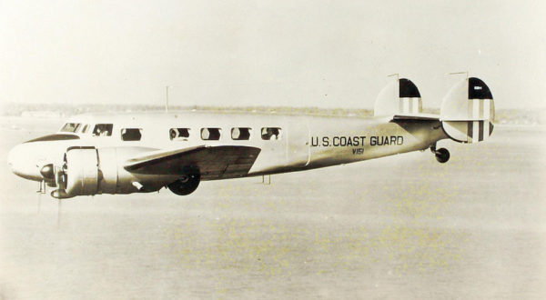 Lockheed R3O Electra de l'US Coast Guard.