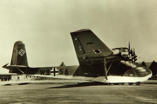 Sur ce Messerschmitt Me 323 les Balkenkreuz sont bien visibles.