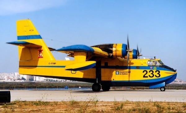 SAGQ Canadair CL-215