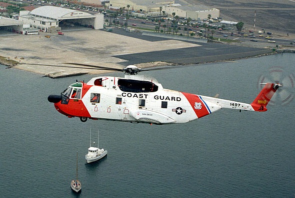 Sikorsky HH-3F Pelican en approche de sa base californienne de San Diego.