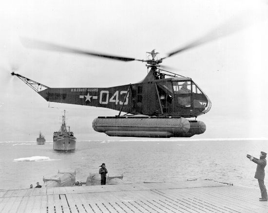 Sikorsky HNS-1 aux couleurs de l'US Coast Guard.
