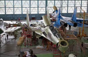 Remise en condition locale de Su-27 ukrainiens.