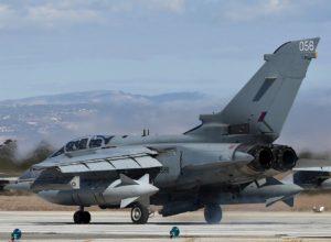 Tornado GR-4 de la Royal Air Force au décollage depuis l'île de Chypre.