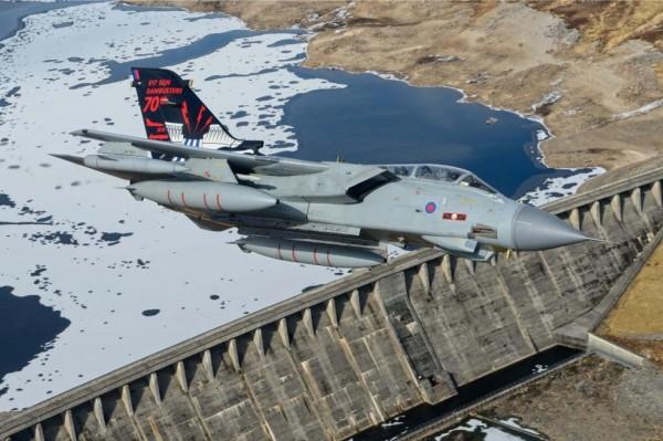 Le Tornado GR 4 du 617th Squadron et sa livrée commémorative.