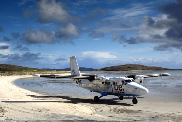 Twin Otter Barra-Airport-Outer-Hebrides-Scotland