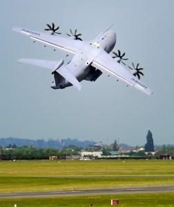 L'Airbus A400M démontre ses qualités tactiques au décollage