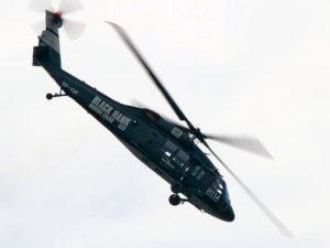 Rare ppareil US en vol, le Sikorsky S70, mis en service en 1979 !
