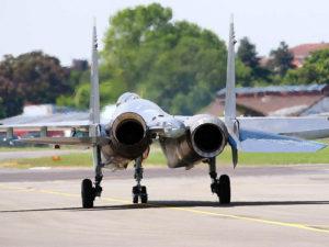 Les tuyères des réacteurs du Su-35 orientables