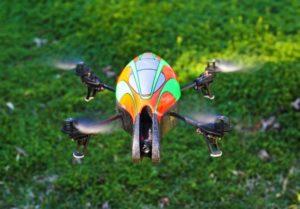 Un drone quadricoptère avec une telle allure de jouet peut-il être dangereux ?