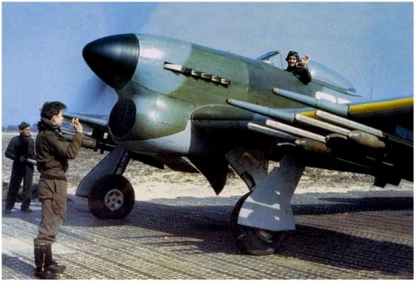 hawker typhoon1