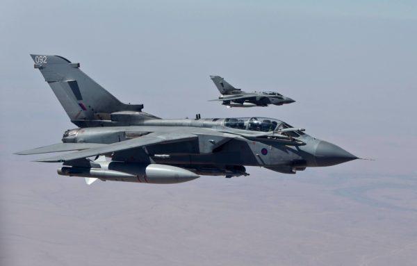 Image typique de l'engagement contre Daech avec une patrouille britannique d'attaque sur Tornado GR Mk-4.
